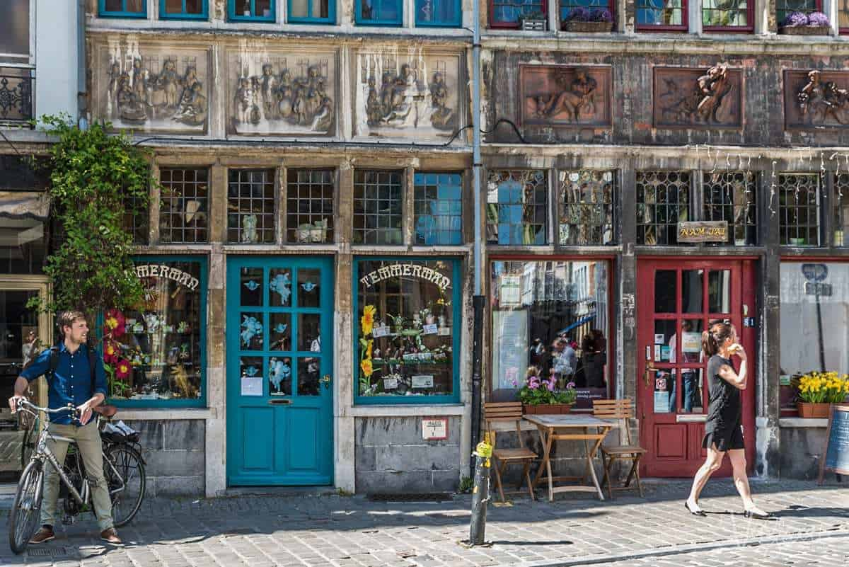 What to do in Ghent. take a walking tour