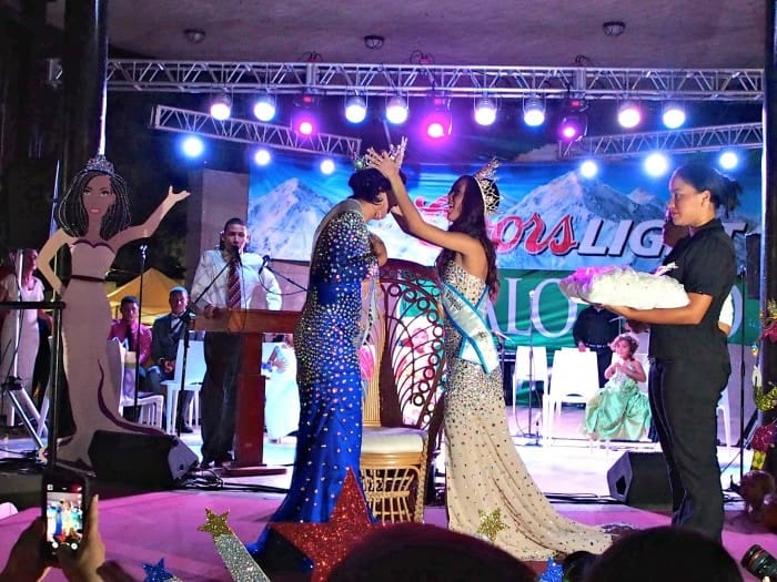 Miss vieques crowning. Patronales